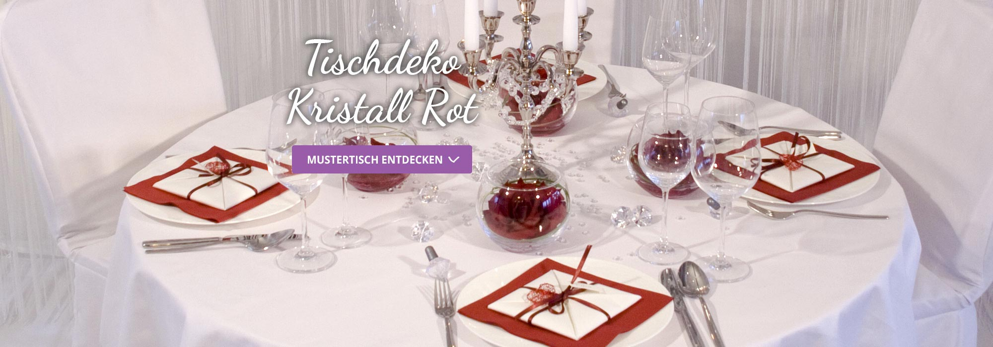 runder tisch mit kristall deko in rot f r die hochzeit. Black Bedroom Furniture Sets. Home Design Ideas